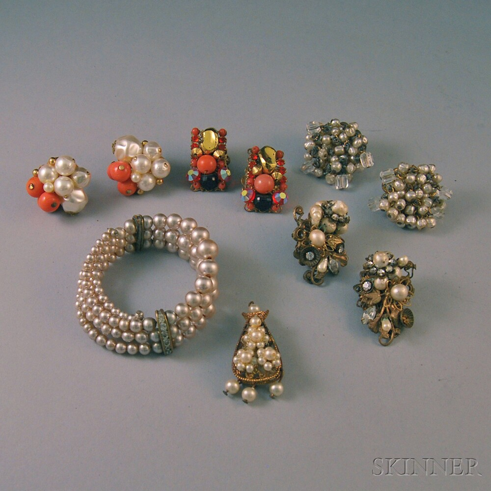 Small Group of Vintage Miriam Haskell-type Costume JewelrySmall Group of...