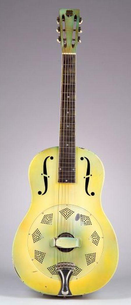 American Resonator Guitar, National String Instrument Company,  1932, Style Triolian