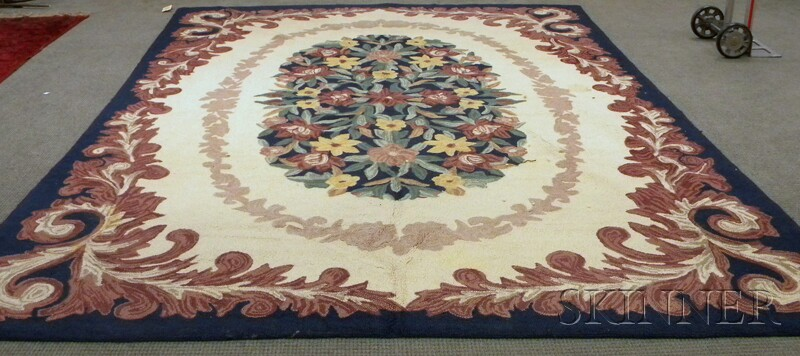 Machine-made Hooked Carpet
