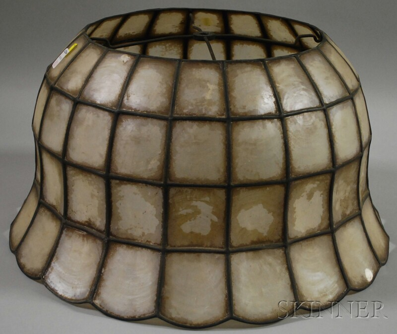 rembrandt lamps leaded mother of pearl table lamp shade. Black Bedroom Furniture Sets. Home Design Ideas