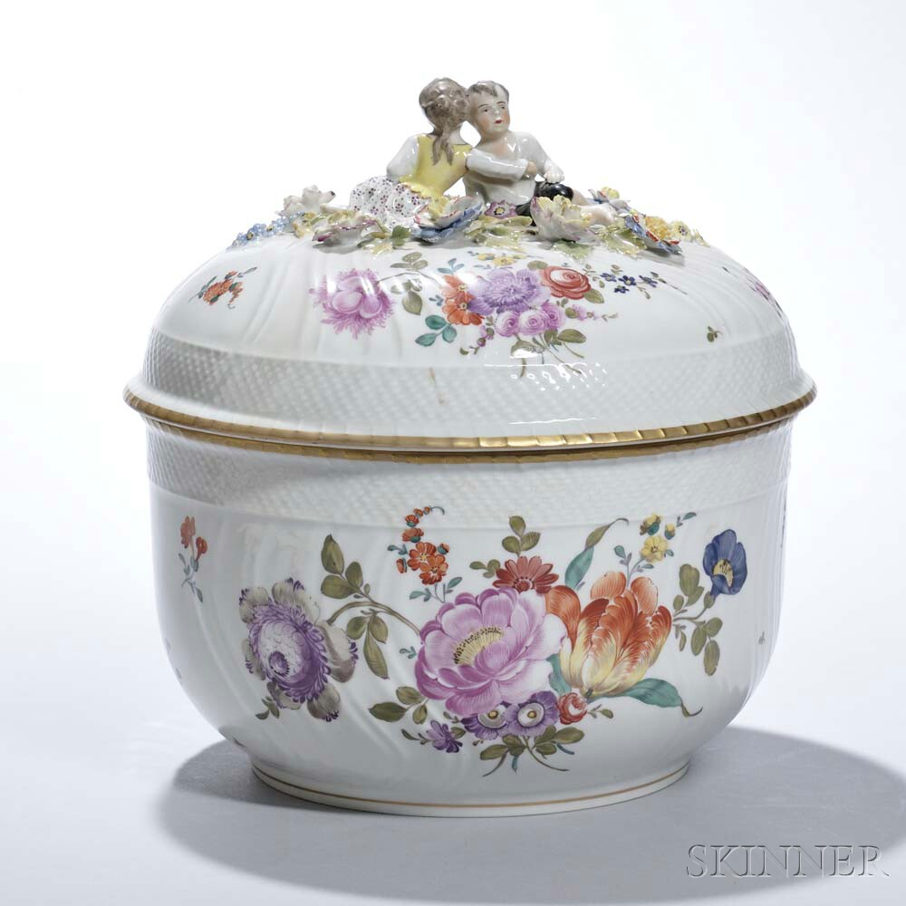 Vienna Covered Porcelain Bowl