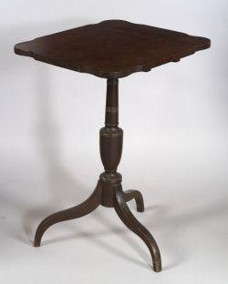 Federal Mahogany Tilt-top Candlestand