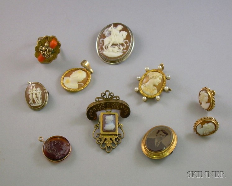 Group of Victorian Cameo and Other Jewelry