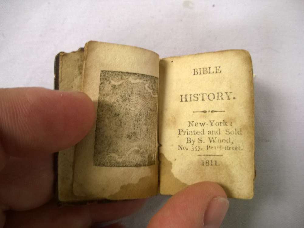 Eight Miniature Books | Sale Number 2922M, Lot Number 807