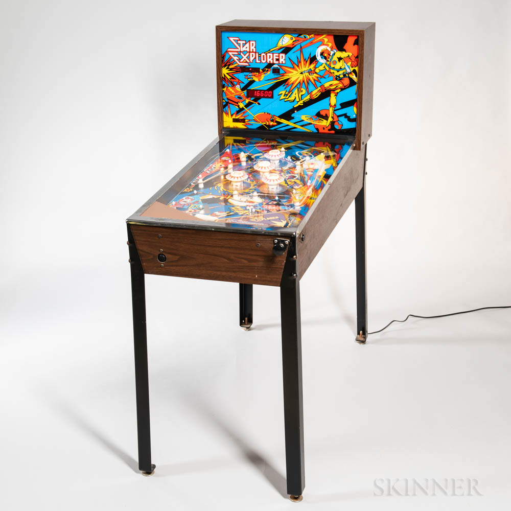 """Star Explorer"" Arcade Pinball Game"