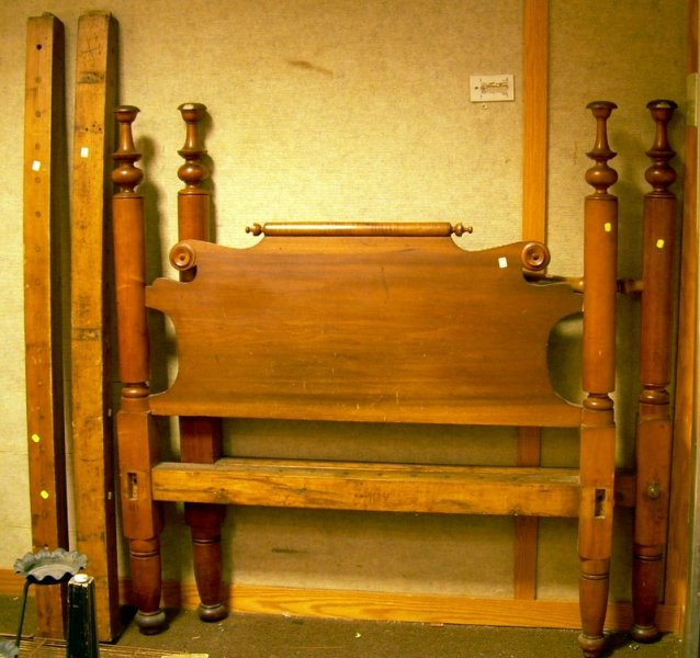 Country Classical Maple and Cherry Turned Tall Post Bed