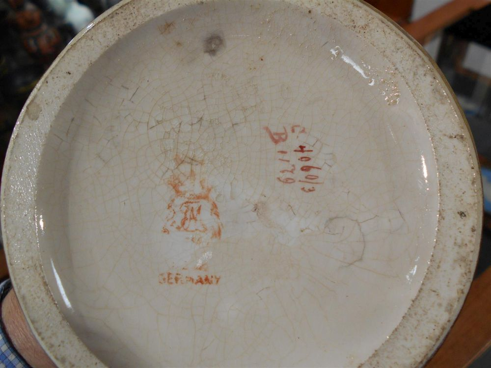 Royal Bonn Porcelain Vase with Musketeer 2975B, 402