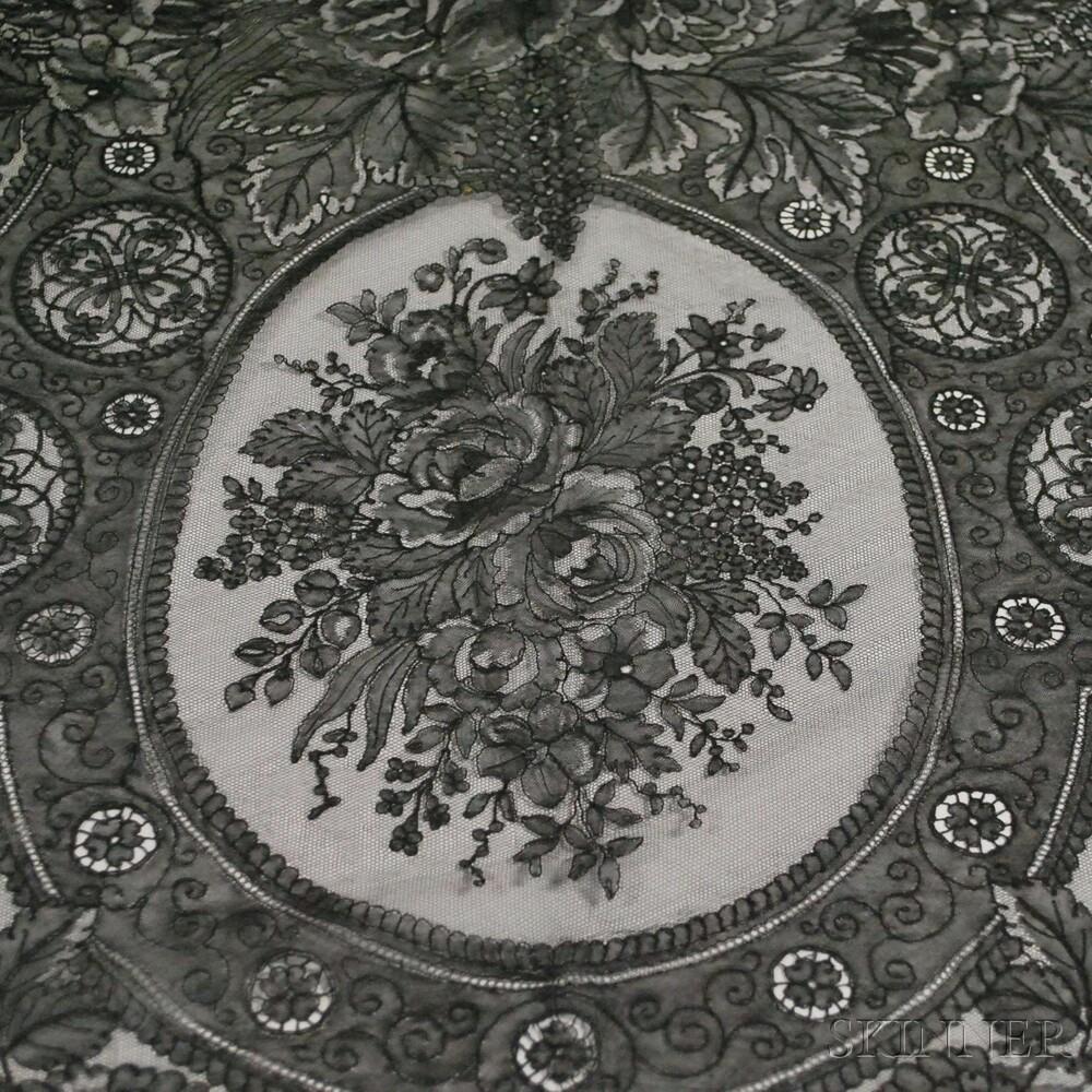 Triangular Black Chantilly Lace Shawl