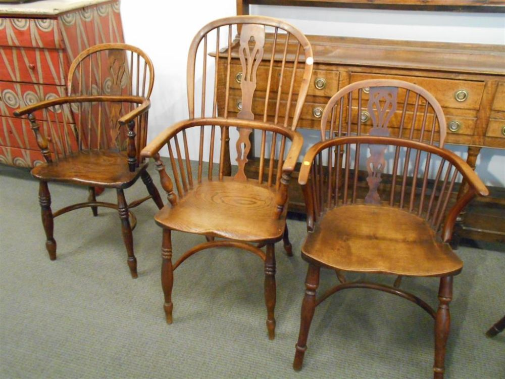 Fifteen English Elmwood and Yewwood Windsor Chairs : antique english windsor chairs - Cheerinfomania.Com