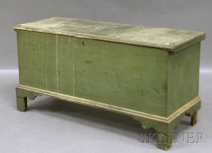 Green-painted Pine Six-board Blanket Box