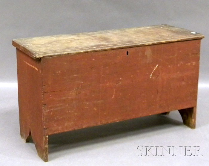 Red-painted Pine Six-board Blanket Box