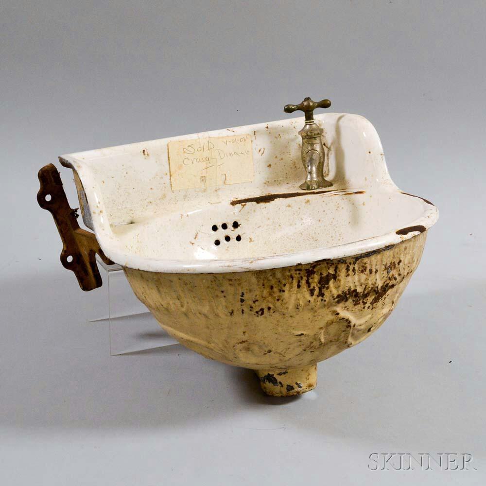 Enameled Cast Iron Sink.     Estimate $20-200