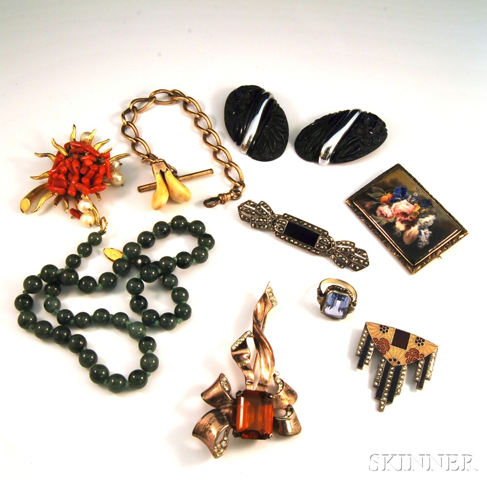 Small Group of Assorted JewelrySmall Group of Assorted Jewelry