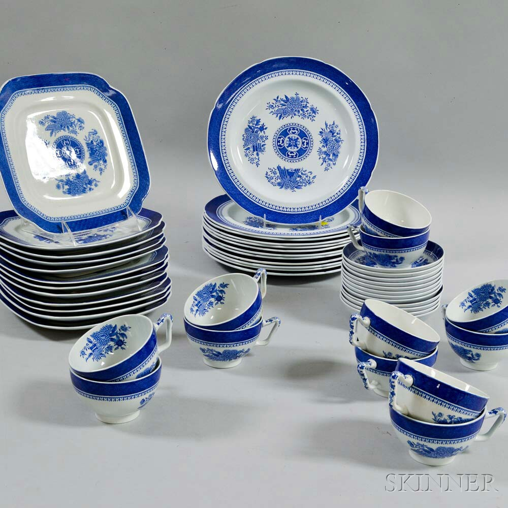"Forty-eight Pieces of Copeland Spode Blue ""Fitzhugh"" Tableware Items"