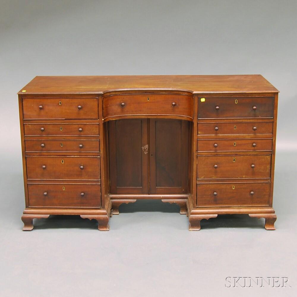 Georgian-style Mahogany Veneer and Oak Desk