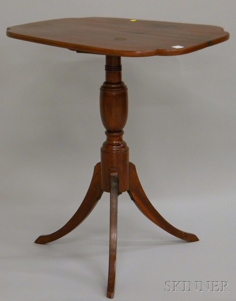Late Federal Maple Tilt-top Candlestand.