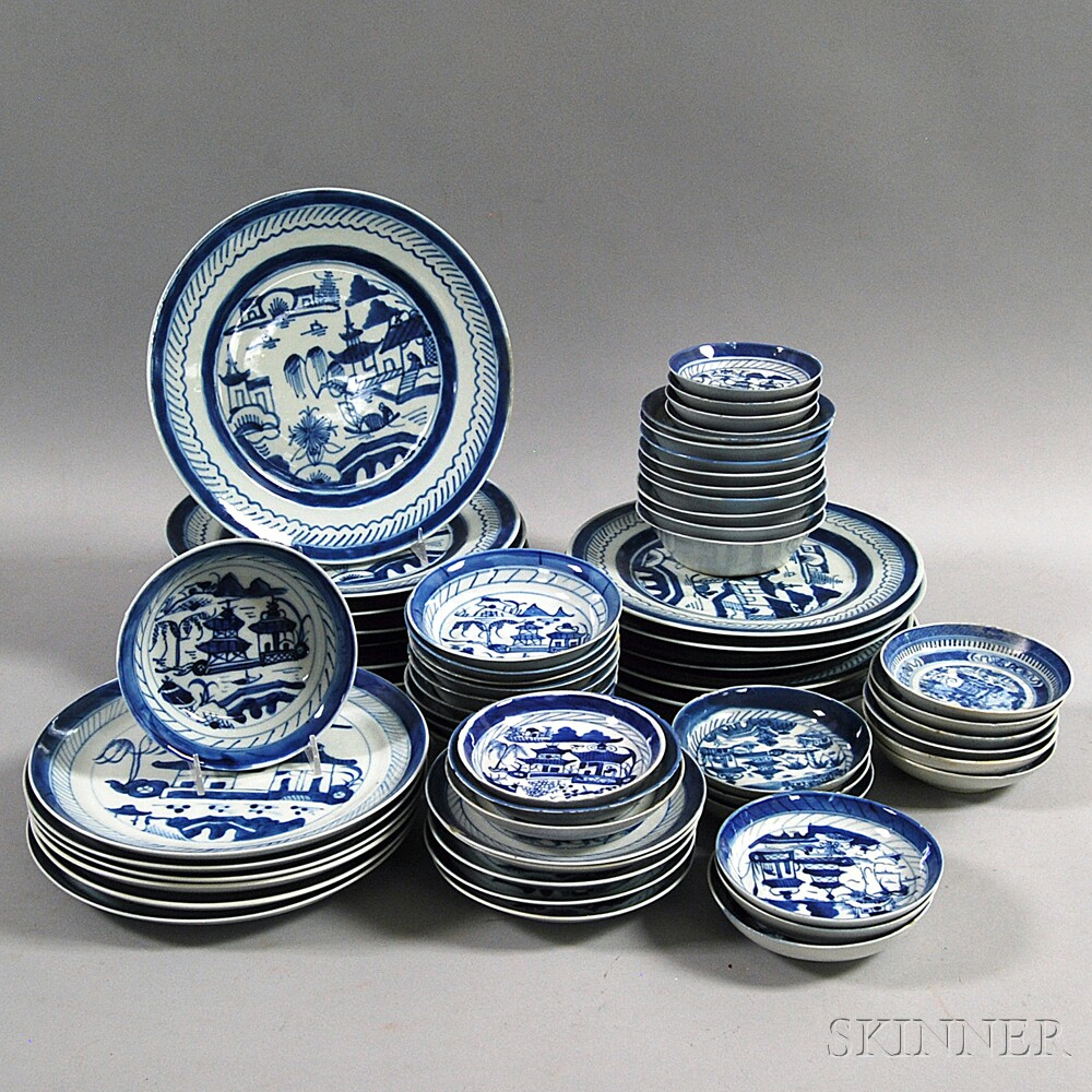 Approximately Sixty-one Pieces of Canton Tableware