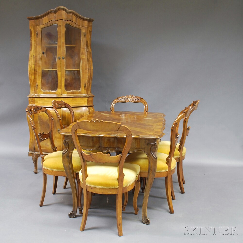 Continental Rococo-style Walnut Veneer Dining Set