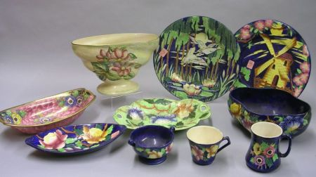 Ten Maling Art Pottery Table Items.