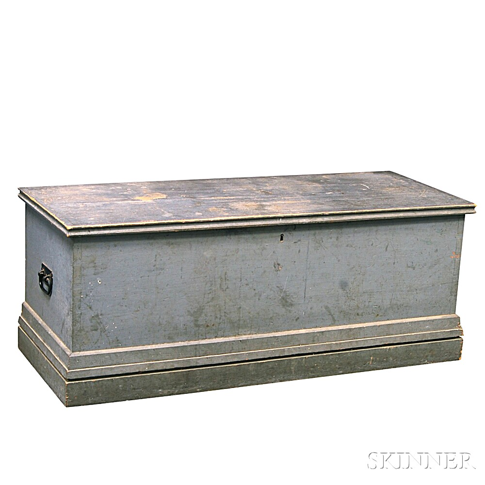 Gray-painted Six-board Sea Chest
