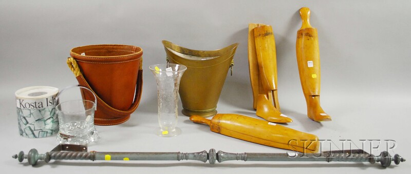 Eight Assorted Decorative Items