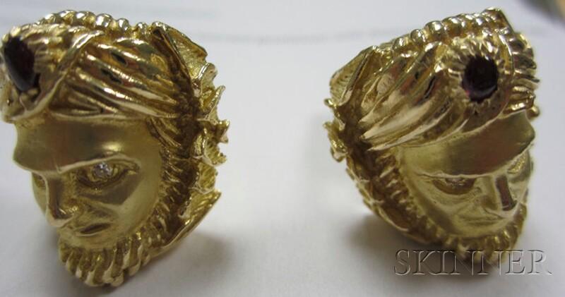 Pair of Heavy 14kt Gold Gem-set Cuff Links