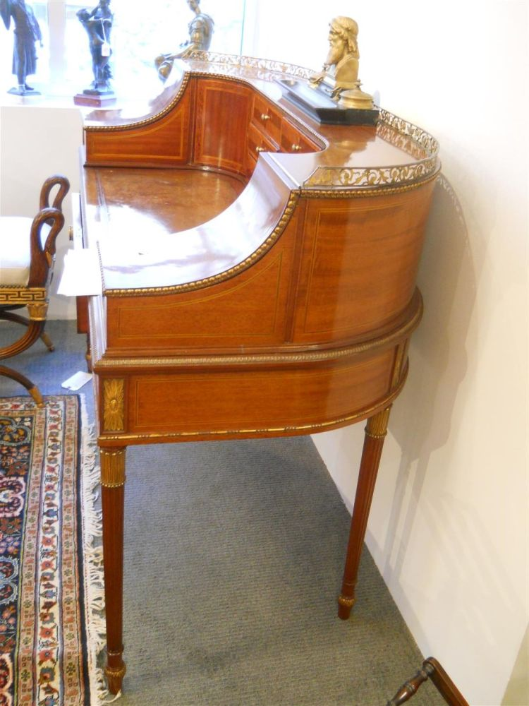 Regency-style Mahogany Carlton House Desk