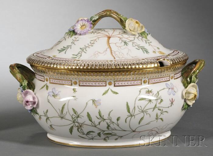 """Royal Copenhagen Porcelain """"Flora Danica"""" Soup Tureen"""
