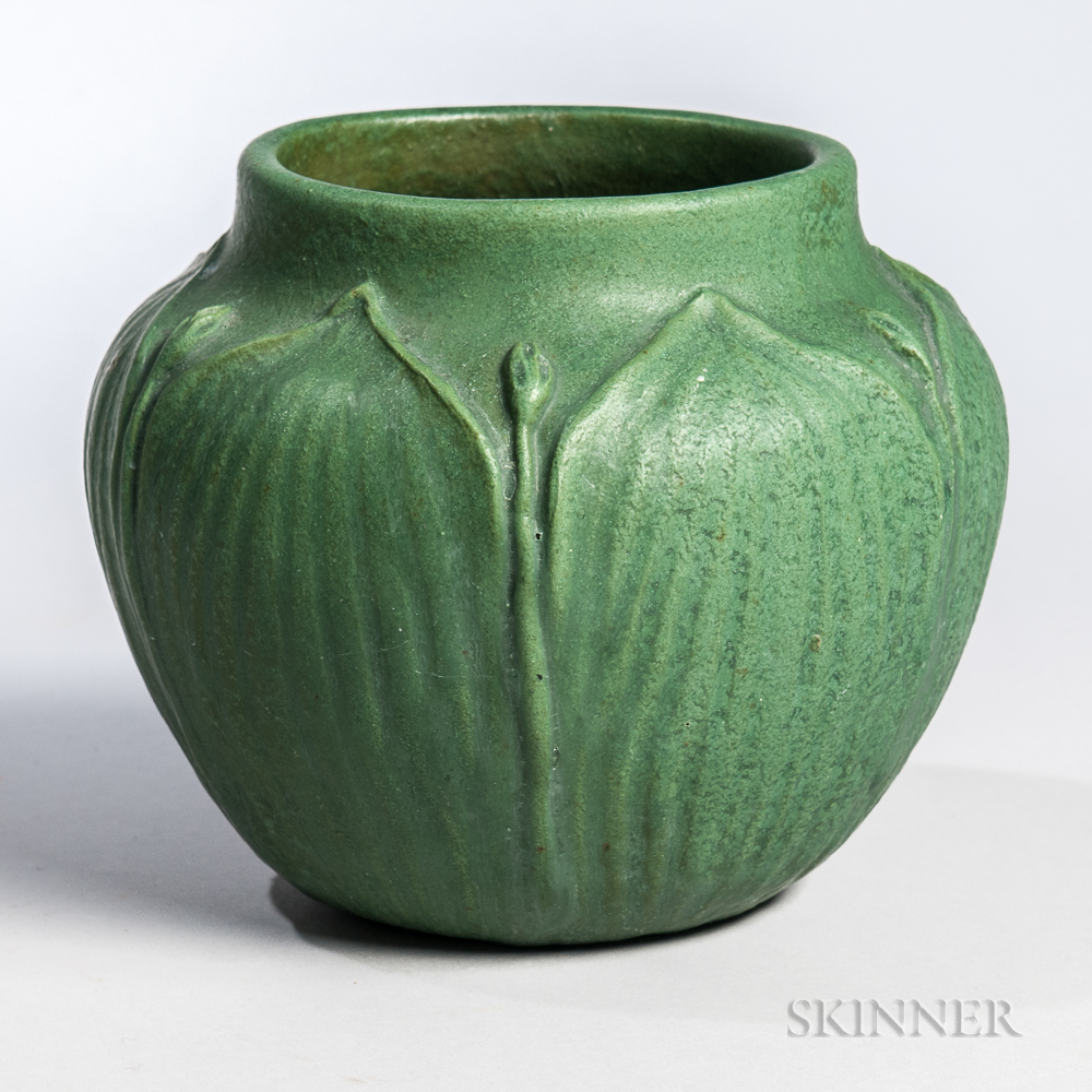Arts And Crafts Green Pottery Vase Sale Number 3045b Lot Number 26 Skinner Auctioneers