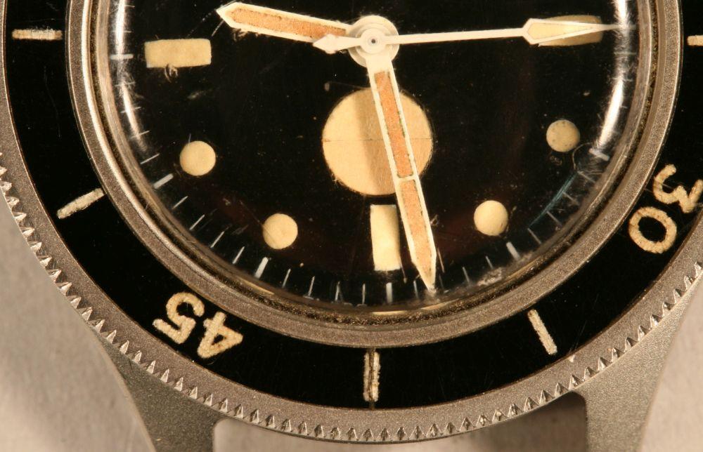 Tornek-Rayville TR-900 Dive Watch