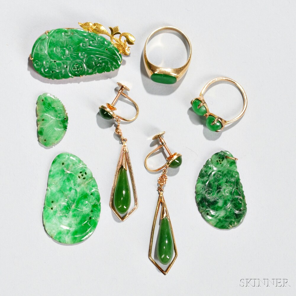 Jade Ornaments and Accessories