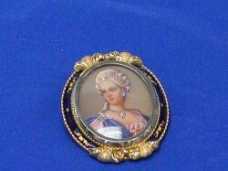 18kt Gold Portrait Brooch