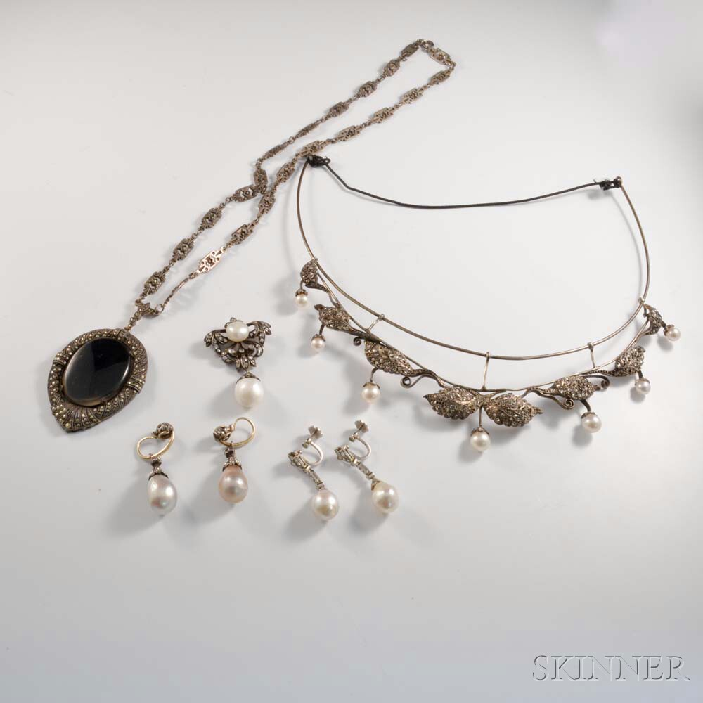 Group of Antique Jewelry