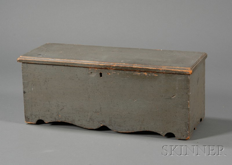 Small Gray-painted Six-Board Chest