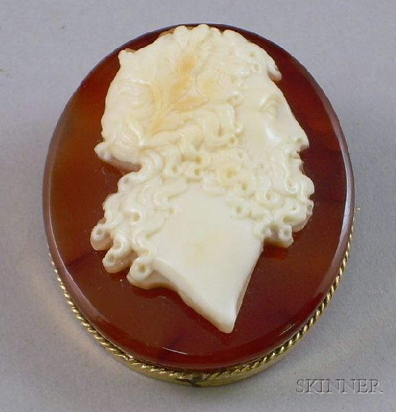 Gold Framed Agate and Shell Carved Cameo Brooch