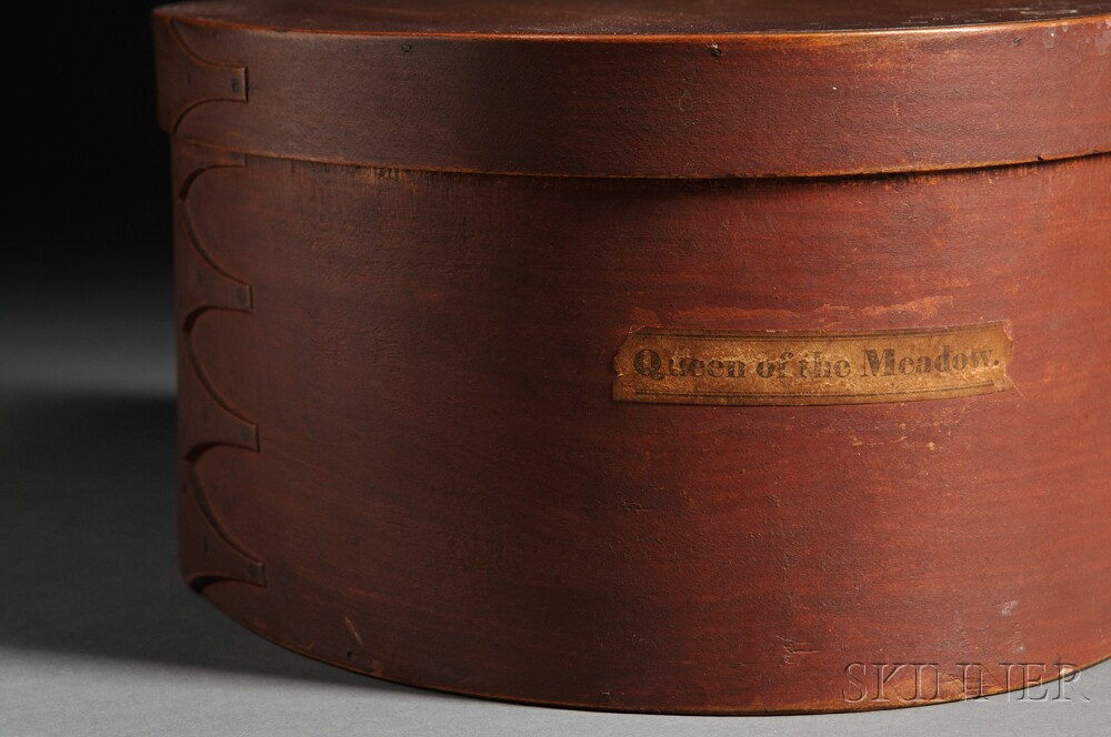 Shaker Red-painted Covered Oval Box with