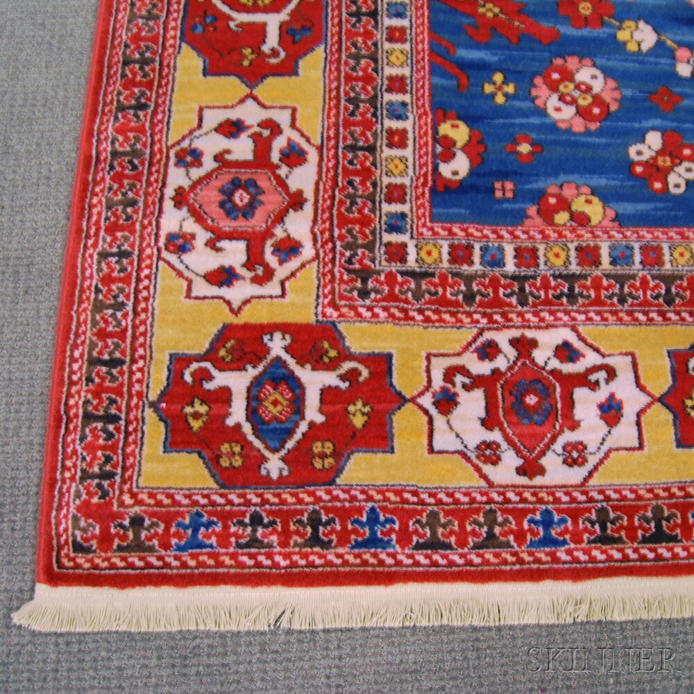 Transylvanian-style Machine-made Carpet