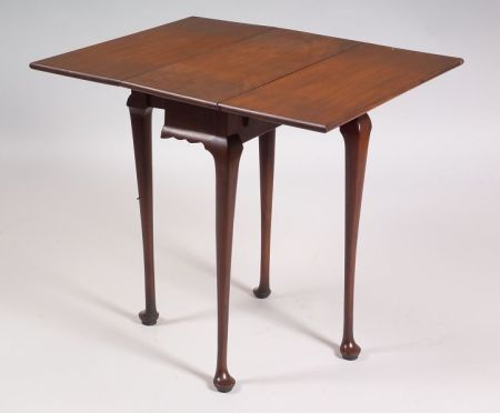 Queen Anne Mahogany Drop-leaf Tea Table