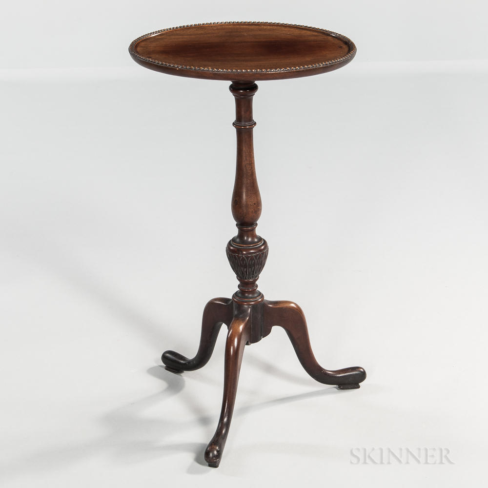 Small Oval-top Candlestand