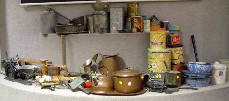 Large Lot of Kitchen and Domestic Articles