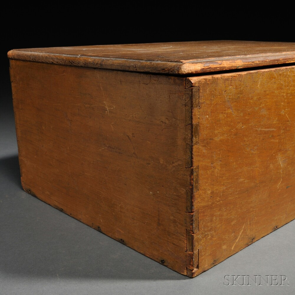 Shaker Yellow-stained Pine Covered Storage Box