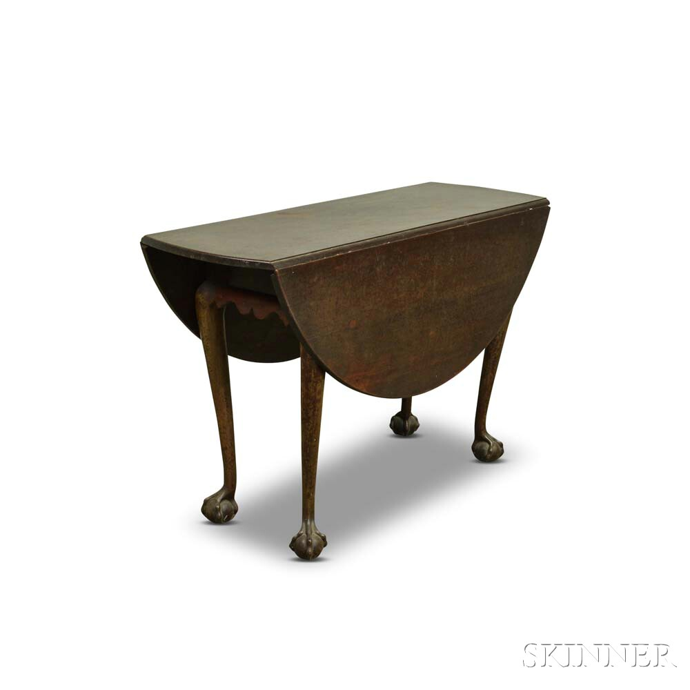 Chippendale-style Walnut Drop-leaf Table