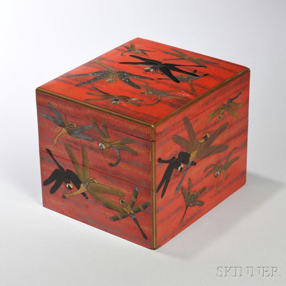 Red-lacquered Togidashi Maki-e