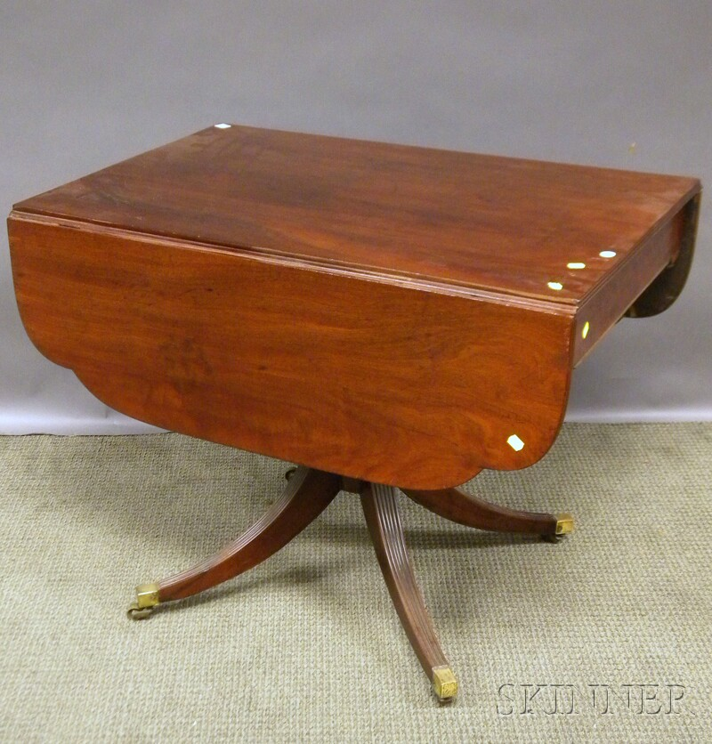 Late Federal Inlaid Mahogany Drop-leaf Pedestal-base Table