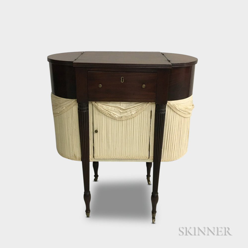 Federal-style Mahogany Astragal-end Sewing Table