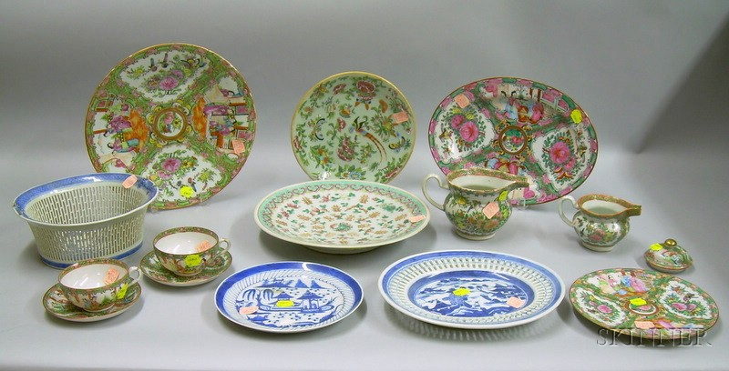 Fourteen Pieces of Chinese and Asian Export Porcelain Tableware