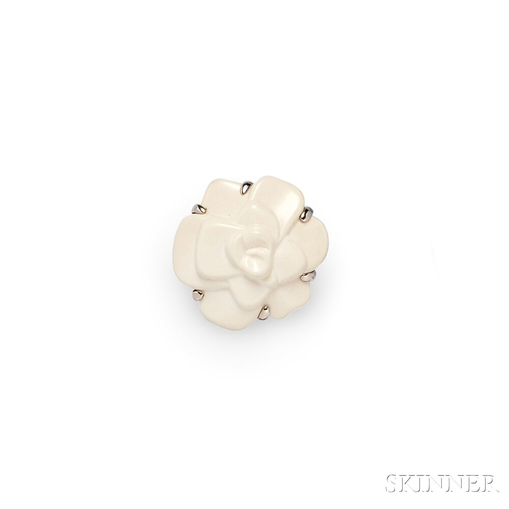 "18kt Gold and White Agate ""Camelia"" Ring, Chanel"