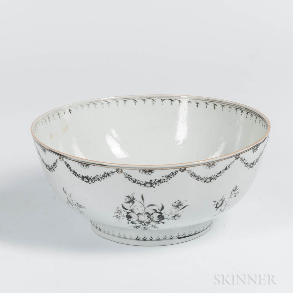 Export Porcelain Grisaille-decorated Bowl