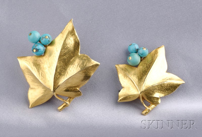 Pair of 18kt Gold and Turquoise Dress Clips, Cartier,