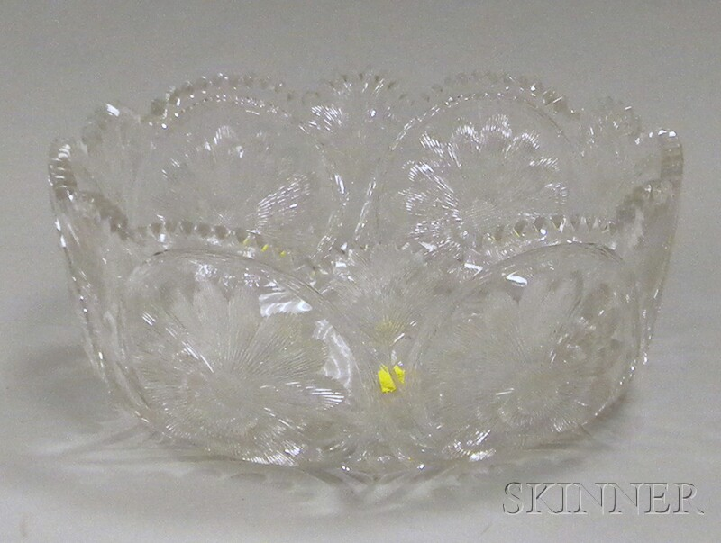 Colorless Floral Pattern Cut Glass Fruit Bowl
